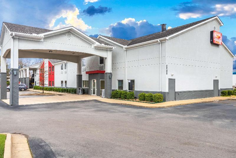 General view Econo Lodge  Inn & Suites