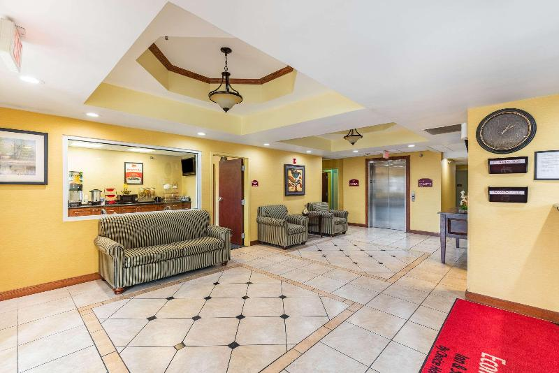 Lobby Econo Lodge  Inn & Suites