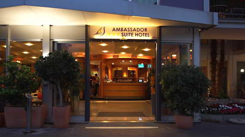 Lobby Hotel Ambassador Suite