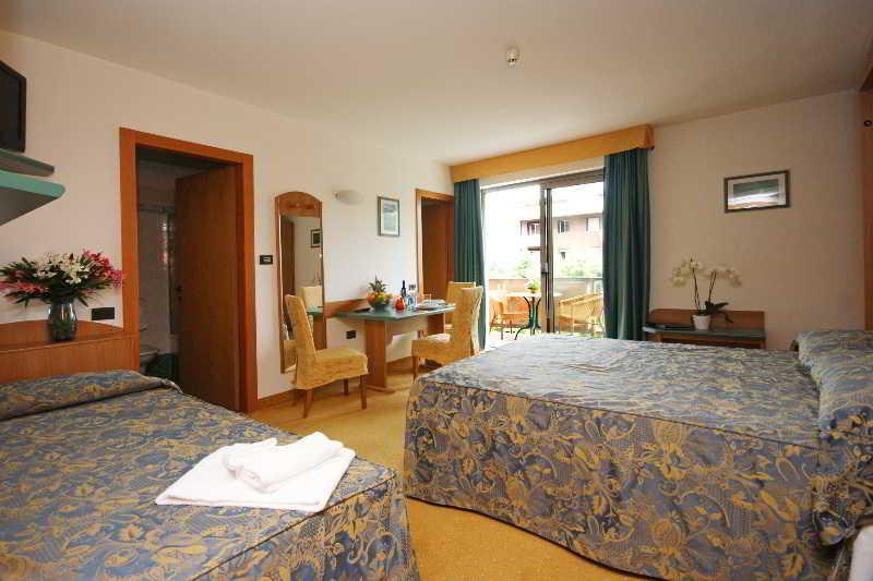 Room Hotel Ambassador Suite