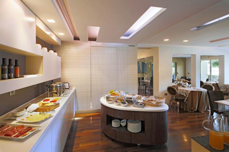 Adoral Boutique Hotel - Restaurant - 2