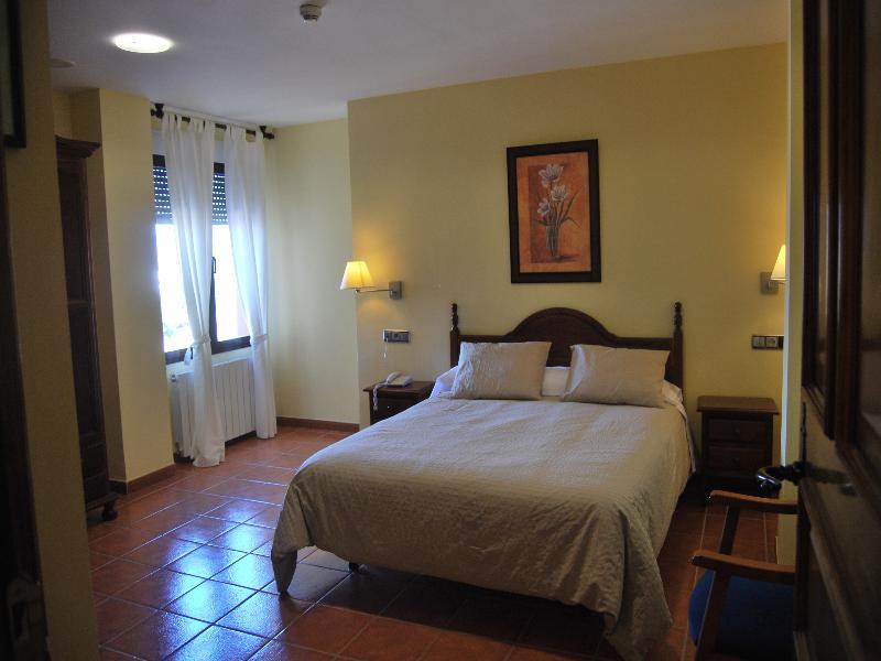 Hotel La Encina Centenaria - Room - 8