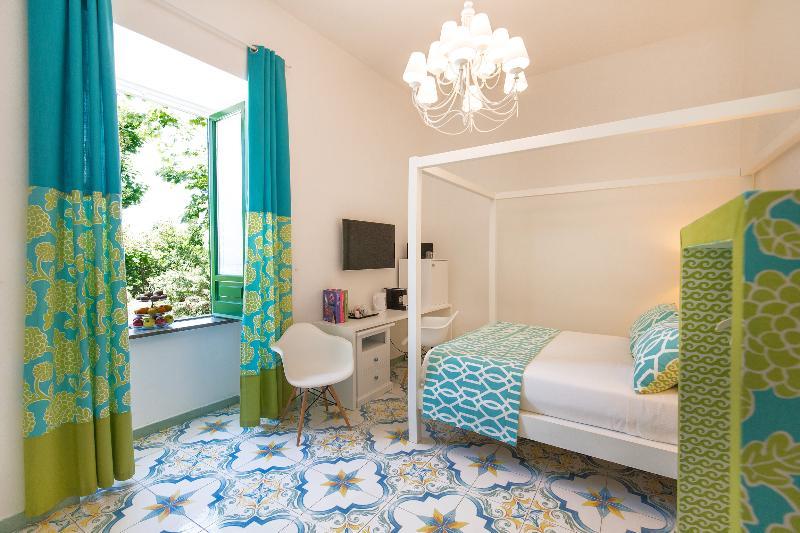 Room Relais Correale Rooms&garden