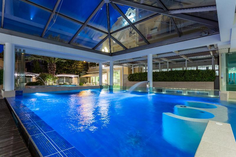 Pool Luna Riccione E Aqua Spa