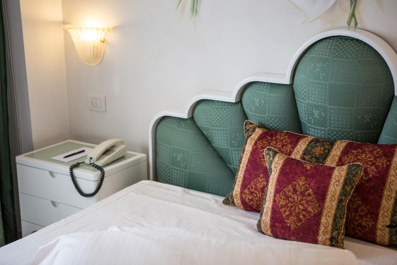 Room Luna Riccione E Aqua Spa