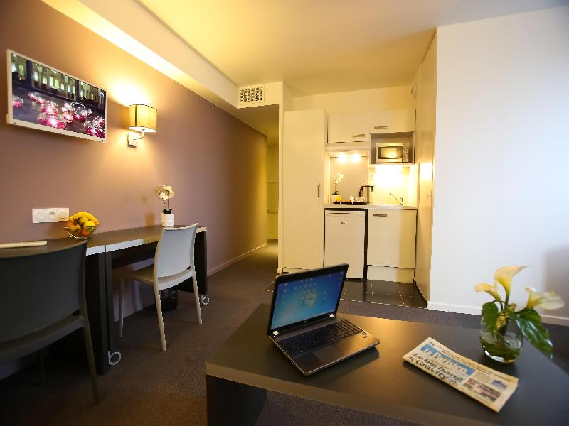 Cheap holidays to all suites appart hotel orly rungis paris for Appart hotel rungis