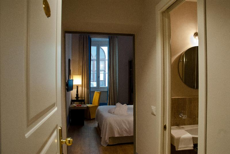 Room Black 5 Florence Suite