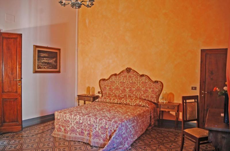 Cheap Holidays to Il Magnifico Soggiorno, Florence,