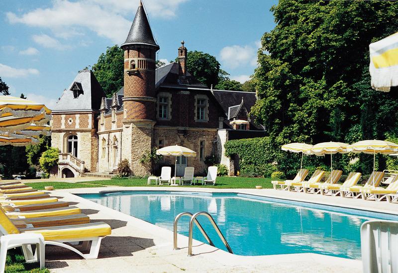 Hotel Chateau D´Esclimont - Pool - 10
