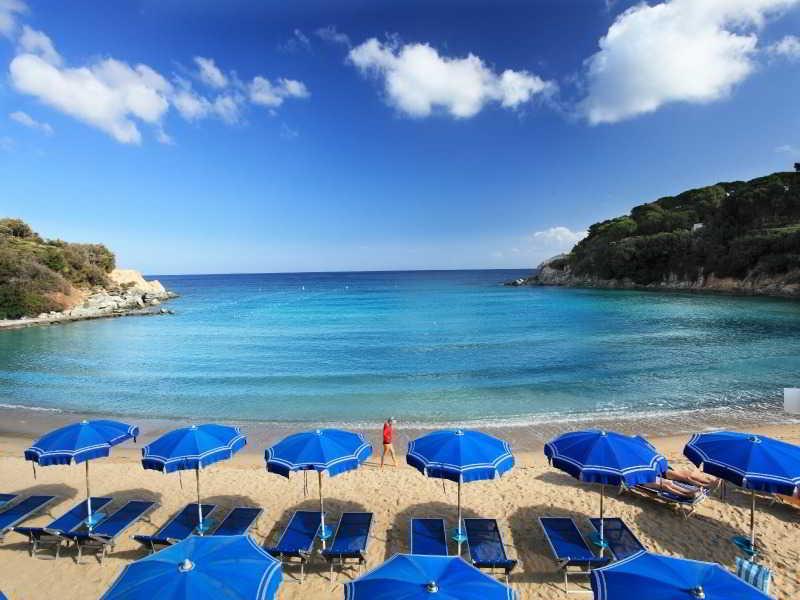 Beach Hotel Desiree