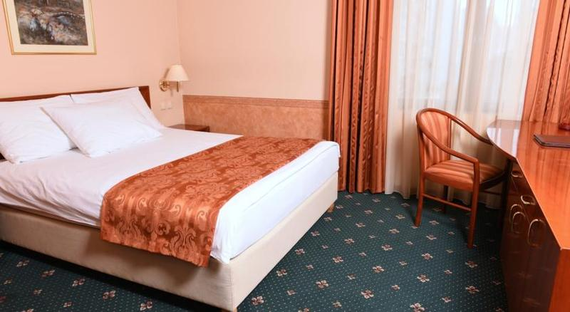 Room Glam Hotel