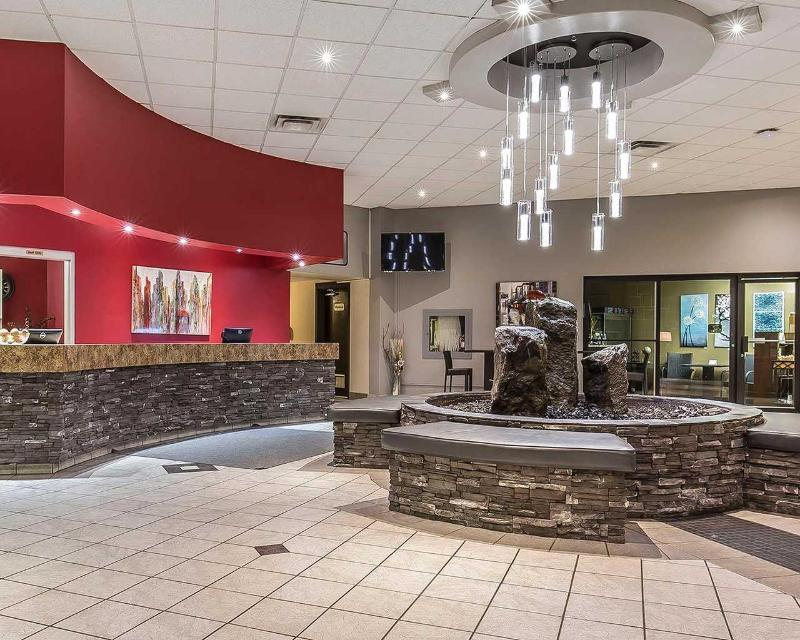 Clarion Hotel & Conference Centre in Medicine Hat - General - 4