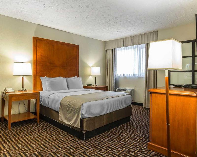 Clarion Hotel & Conference Centre in Medicine Hat - Room - 6
