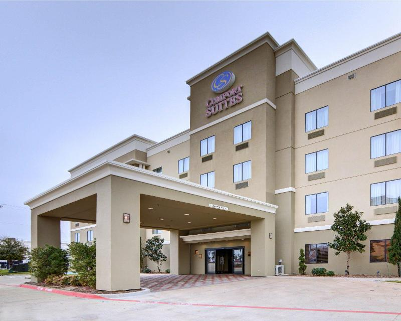 General view Comfort Suites Near Northeast Mall