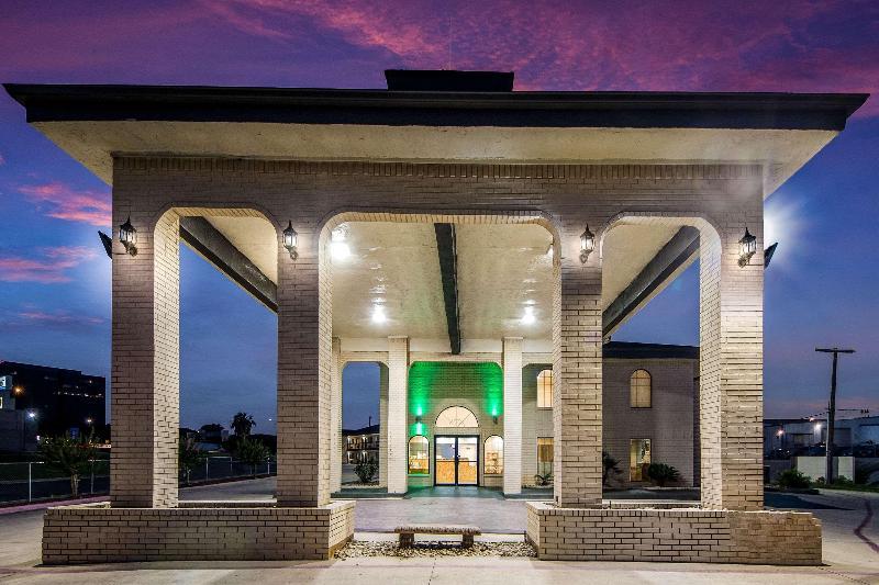 General view Quality Inn Near Medical Center