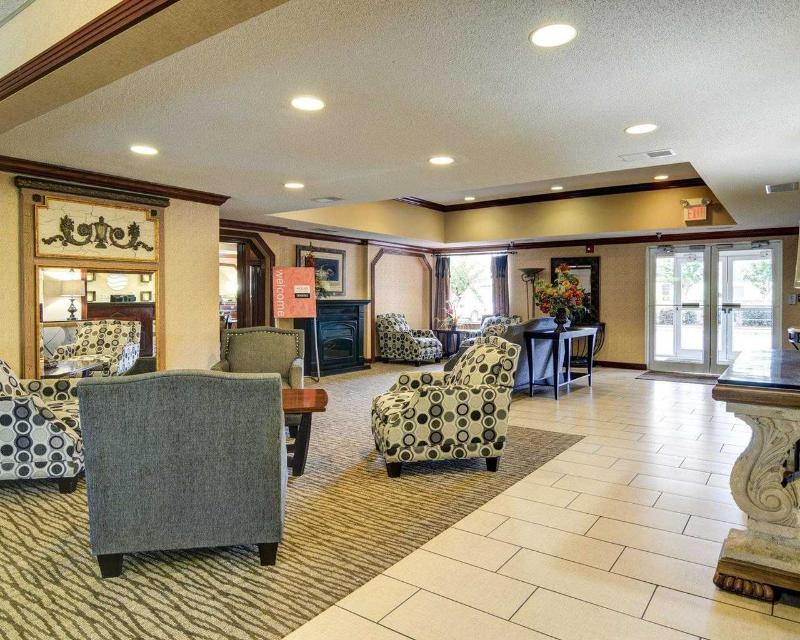 Comfort Inn & Suites near Hendrix College - General - 7