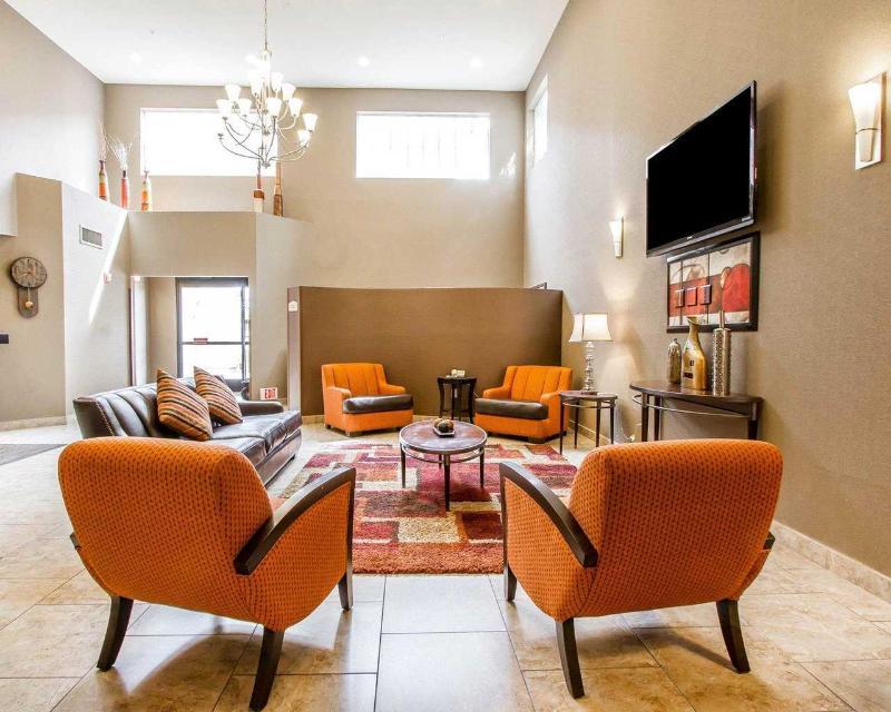 Comfort Inn & Suites - General - 7