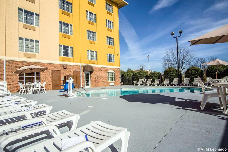 Comfort Suites Pineville - Ballantyne Area - Hotel - 2