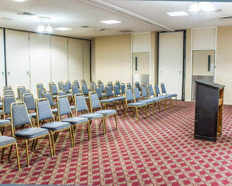 Econo Lodge - Conference - 3