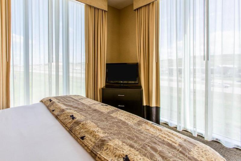 Cambria Suites - Hotel - 3