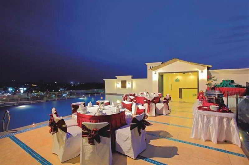Terrace Country Inn & Suites By Radisson, Amritsar, Queens