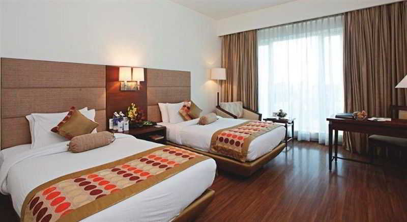 Room Country Inn & Suites By Radisson, Amritsar, Queens