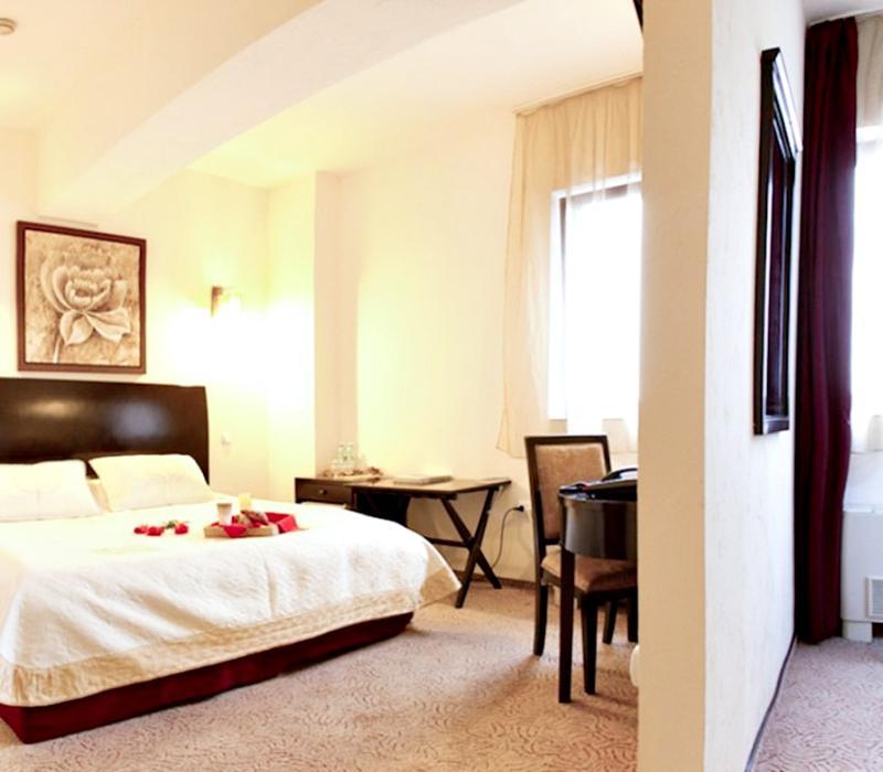 AVIS Boutique Hotel - Hotel - 1