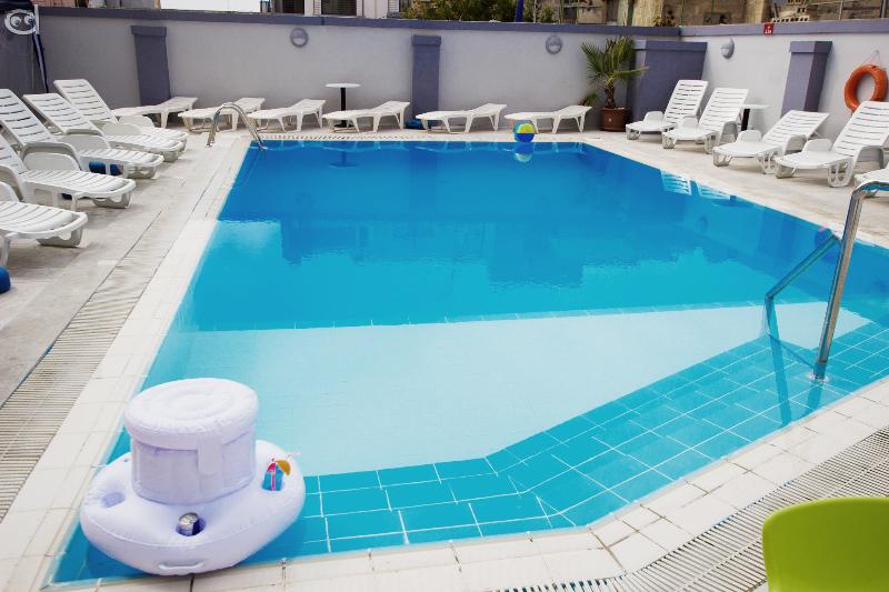 Pool Dean Hamlet Hotel