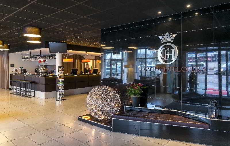 Lobby Grand Hotel Opera