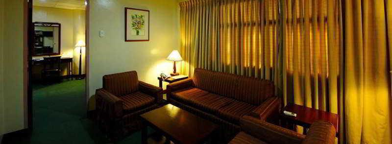 Regency Inn - Room - 5