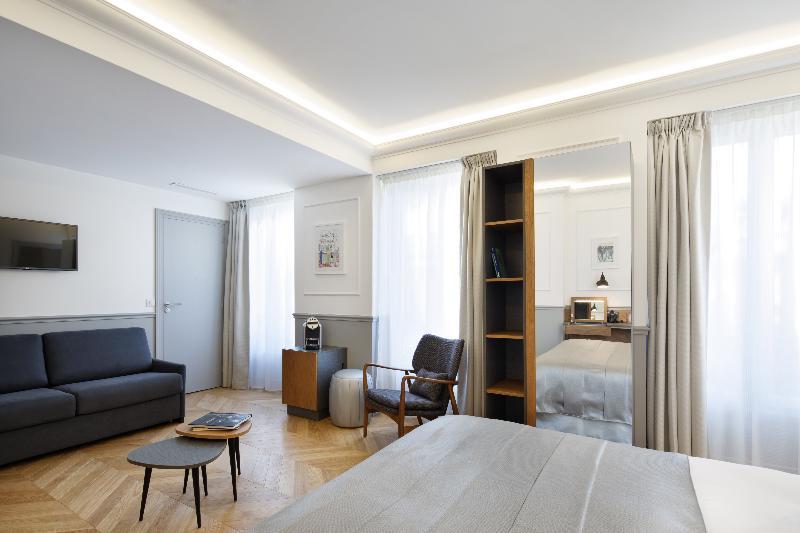 Room Grand Hotel De Paris