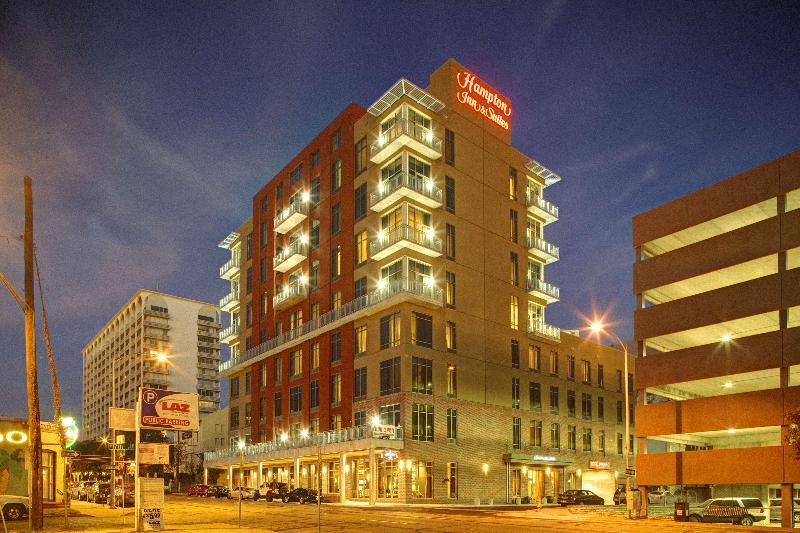Hampton Inn and Suites Austin @ The University/Cap - Hotel - 2