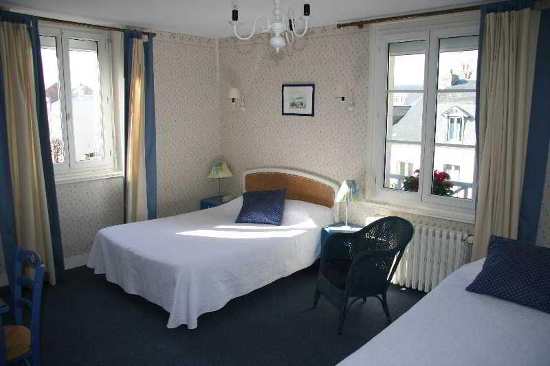 Room La Cote Fleurie