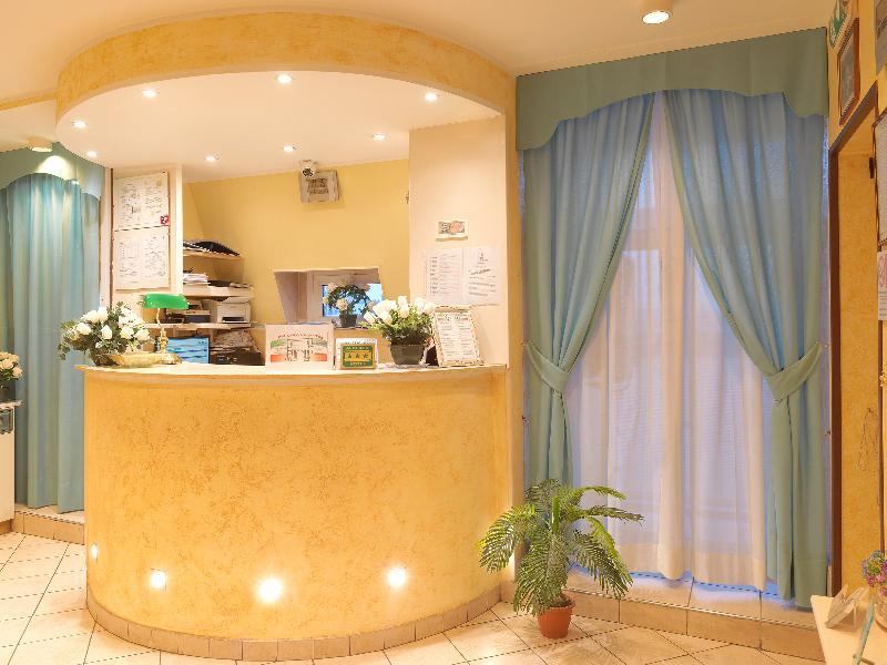 Lobby Hotel Arco Romana