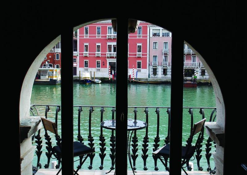 General view Palazzo Barbarigo Sul Canal Grande