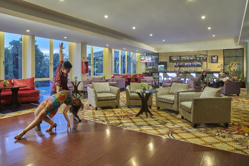 Lobby Jambuluwuk Malioboro Hotel Yogyakarta