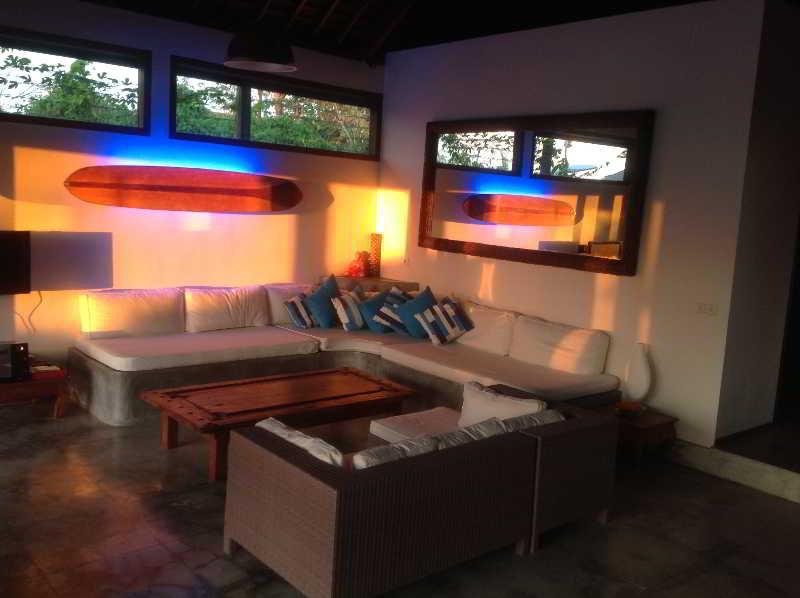 Room Villa Biru