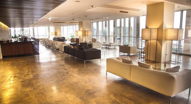 Lobby Landmark Hotel
