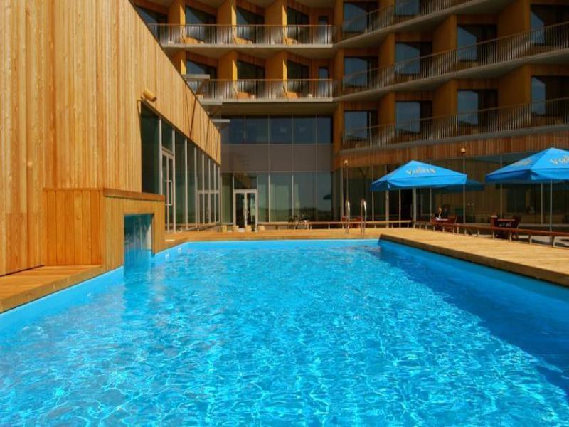 Pool Georg Ots Spa Hotel