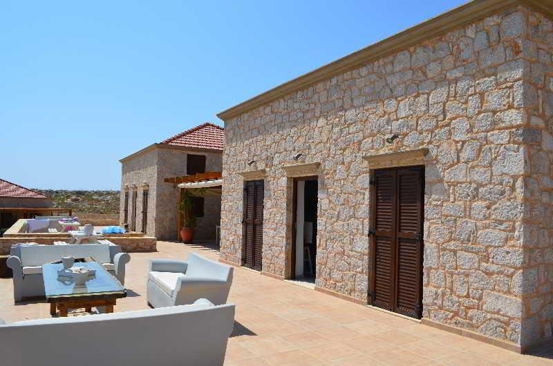 Terrace Ftenagia Villas