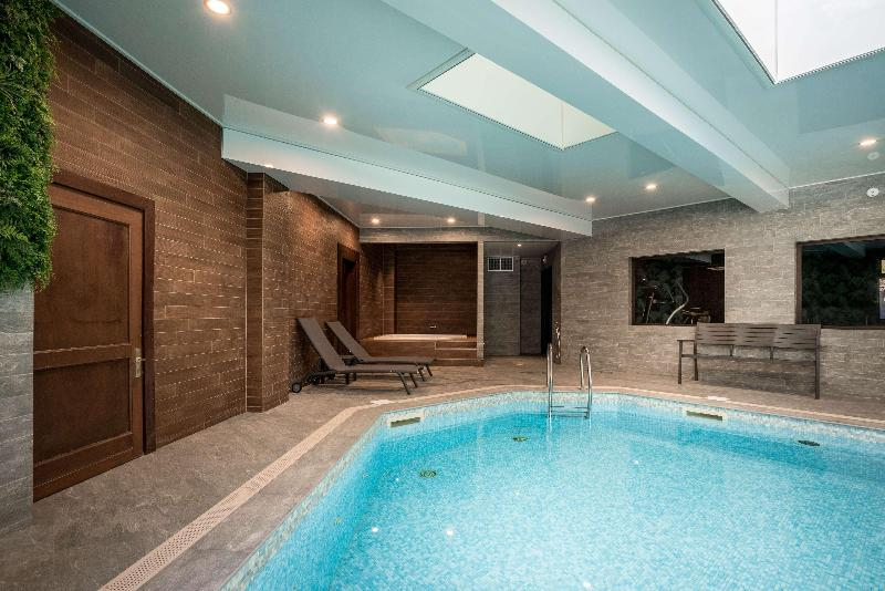 Pool Best Western  Hostellerie Du Vallon