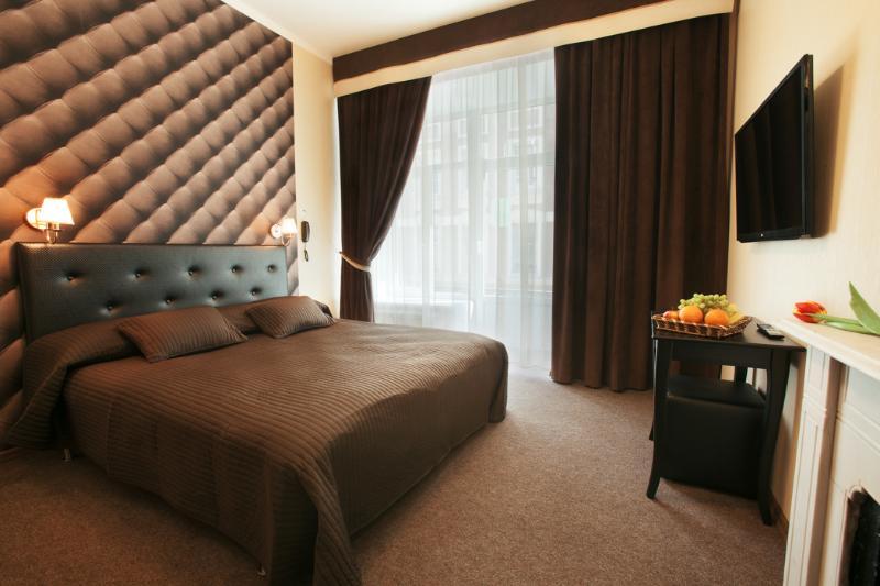 Room Nevsky Contour