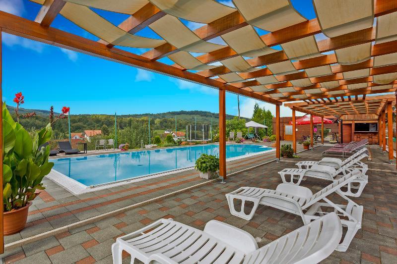 Pool Tourist Center Marko