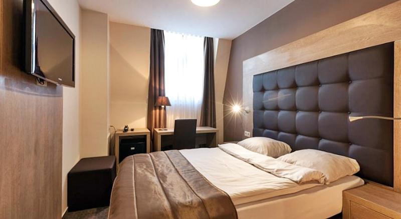 Room Villa Royale