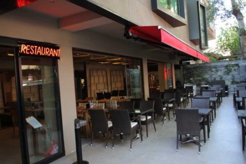 Terrace L\'onde Business Suites
