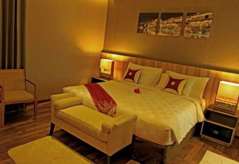 Room D'ox Ville Padang