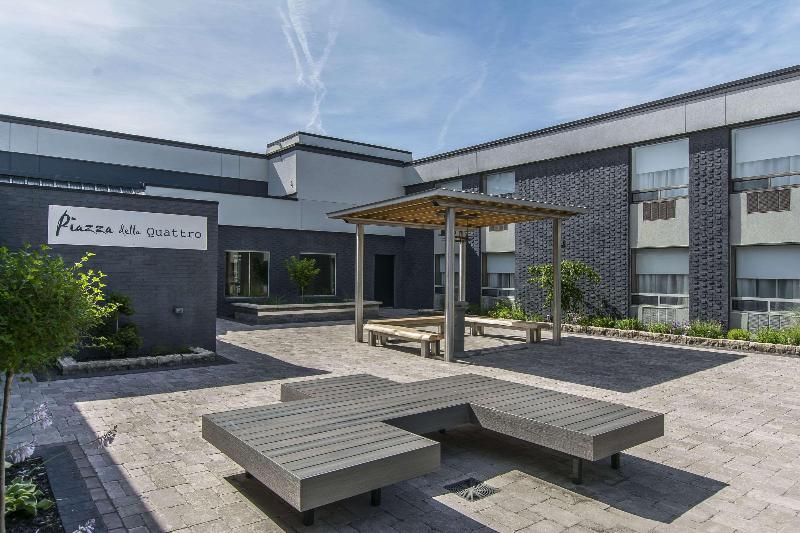 Quattro Hotel & Conference Centre - Hotel - 1