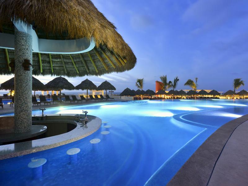 Pool Iberostar Playa Mita
