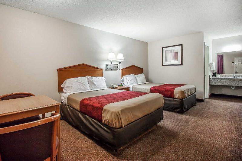 Econo Lodge - Room - 10