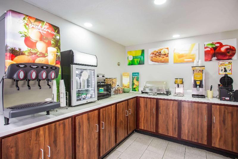 Quality Inn - Restaurant - 12